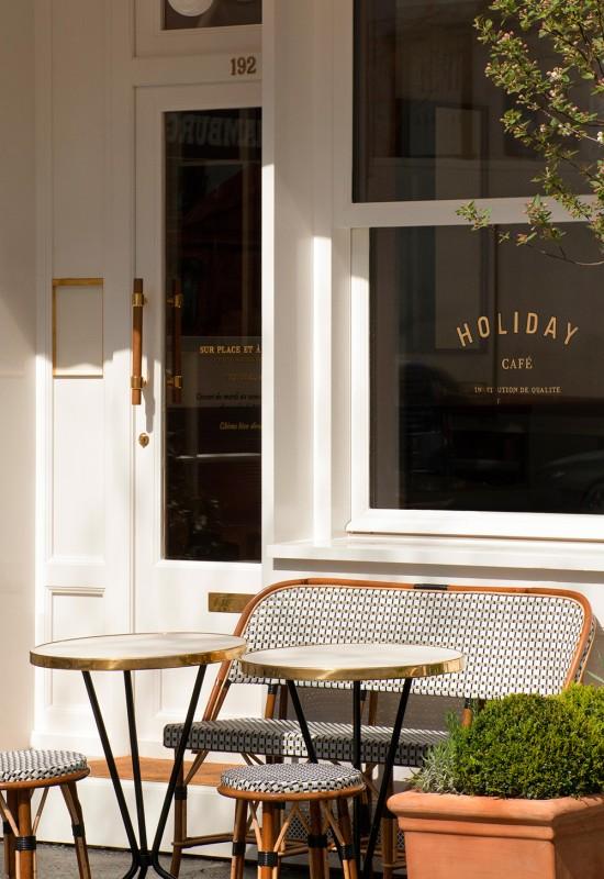 holiday-cafe-paris-01-550x800