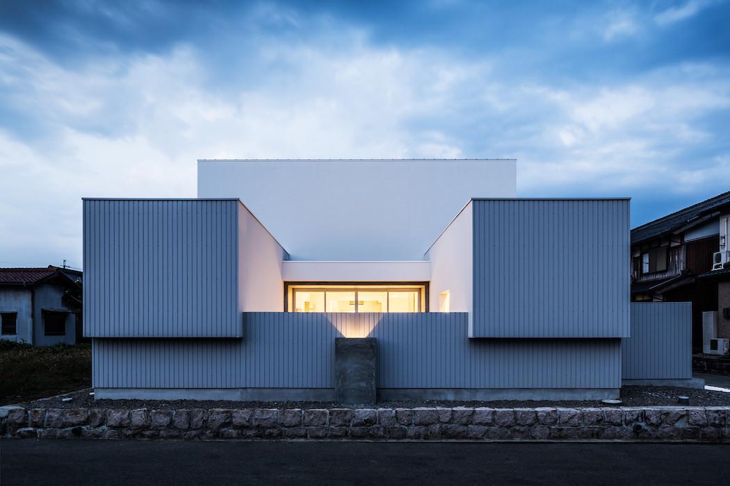 001_Form_Architecture_-jpg-1050x700