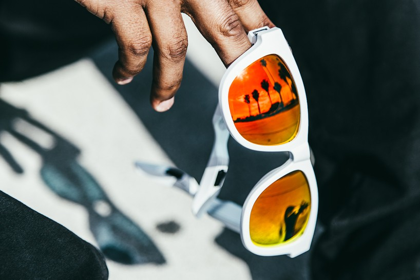 zungle-panther-sunglasses-headphones-designboom-04-818x545