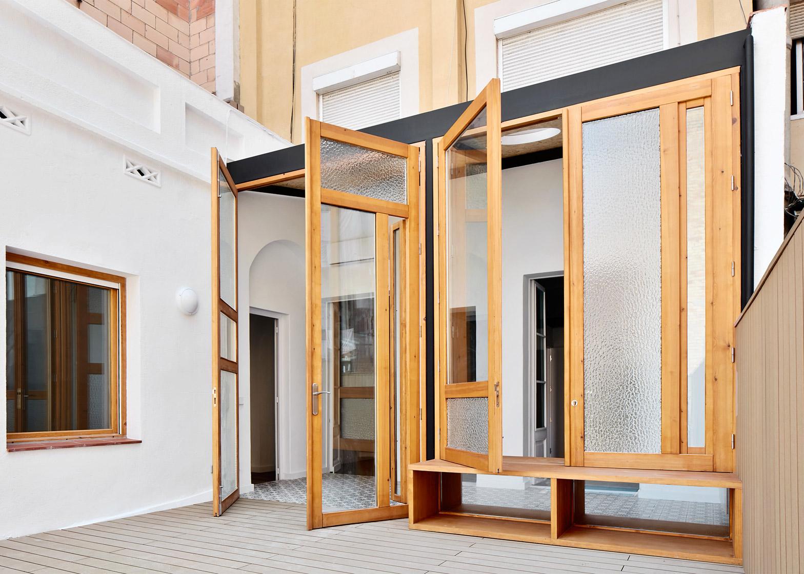 Tamarit-Apartment_Ras-Arquitectura_dezeen_1568_10
