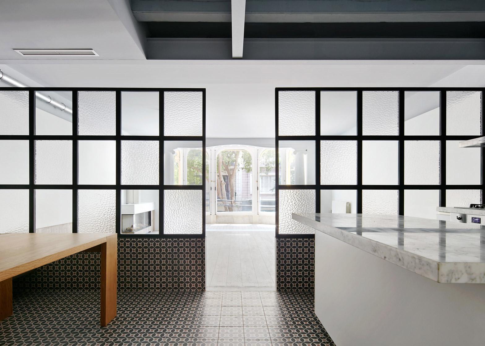 Tamarit-Apartment_Ras-Arquitectura_dezeen_1568_3