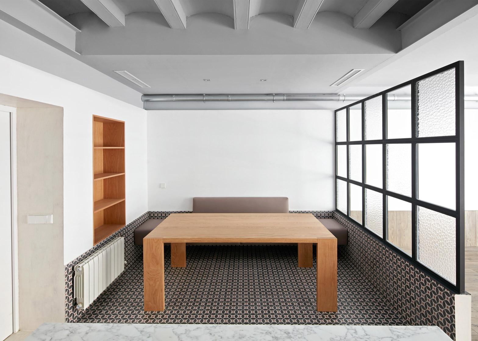 Tamarit-Apartment_Ras-Arquitectura_dezeen_1568_4