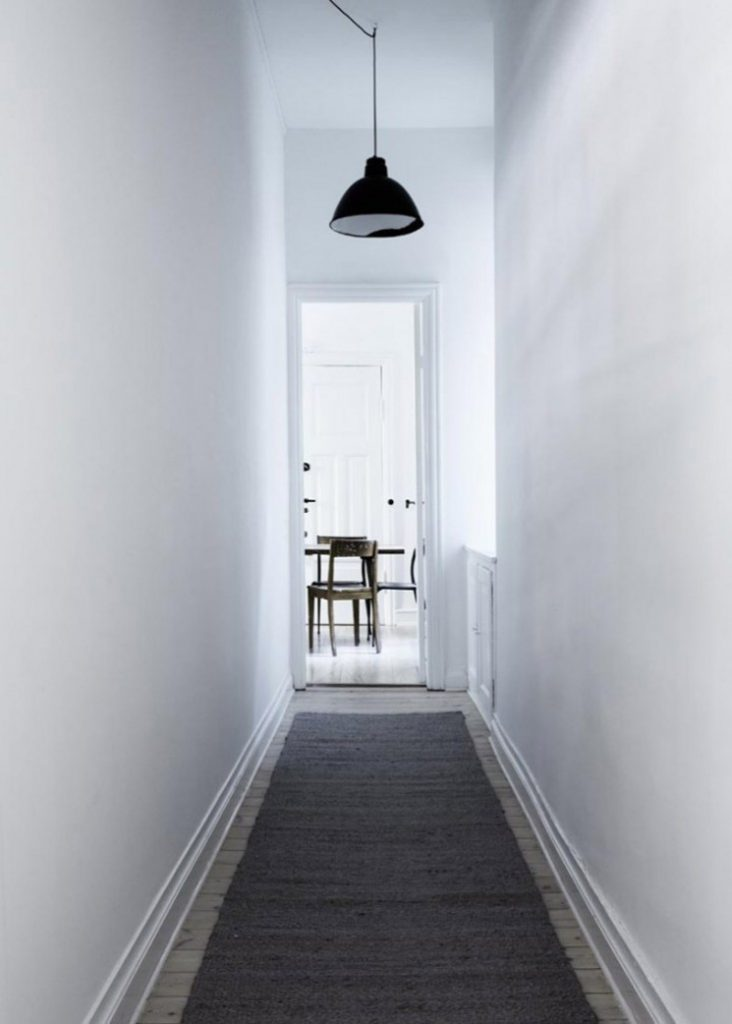 Yvonne-Kone-Apartment-Line-Klein-for-Elle-Decoration-Est-Magazine-Remodelista-6-733x1026