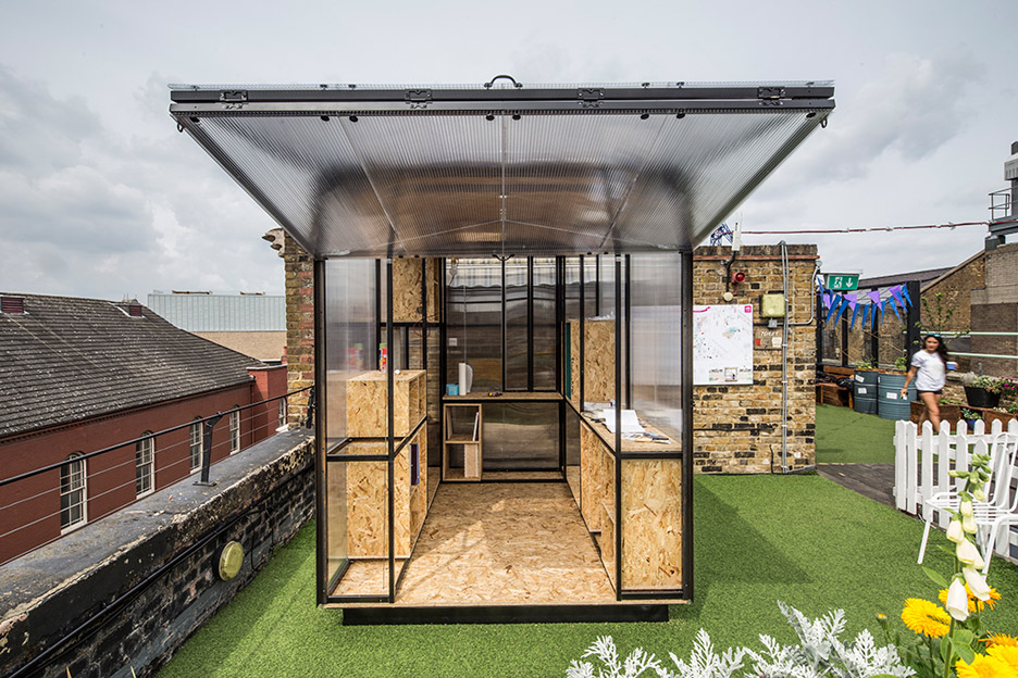 minima-moralia-tomaso-boano-jonas-prismontas-london-installation-social-issues-creativity-pop-up-spaces-architecture-backyards-experiment-modular-steel_dezeen_936_4