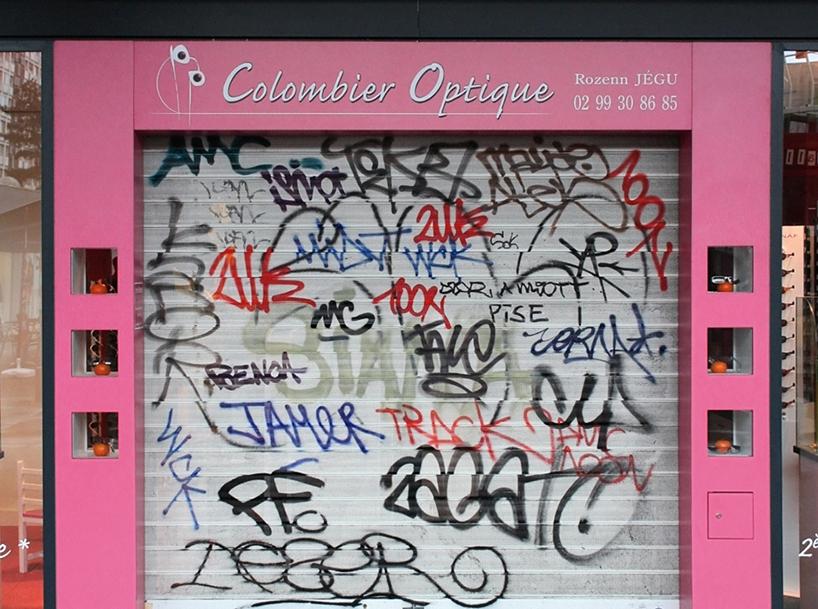 tag-clouds-graffiti-mathieu-tremblin-designboom-01
