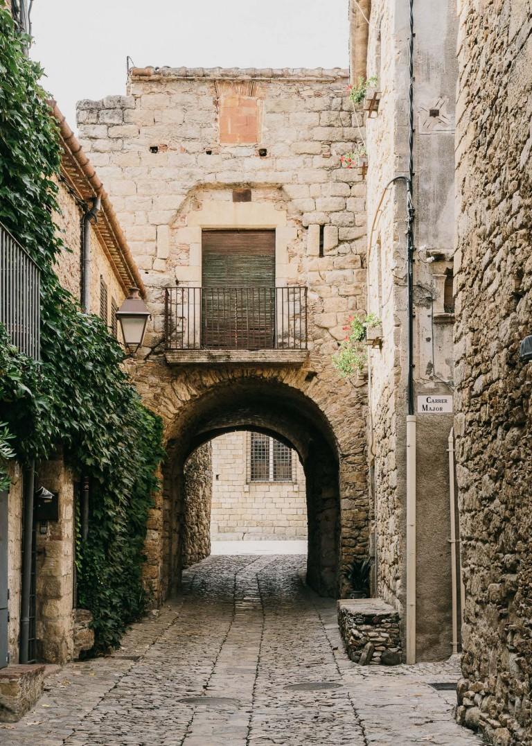 Castell-de-peratallada-gardenista-11-768x1076