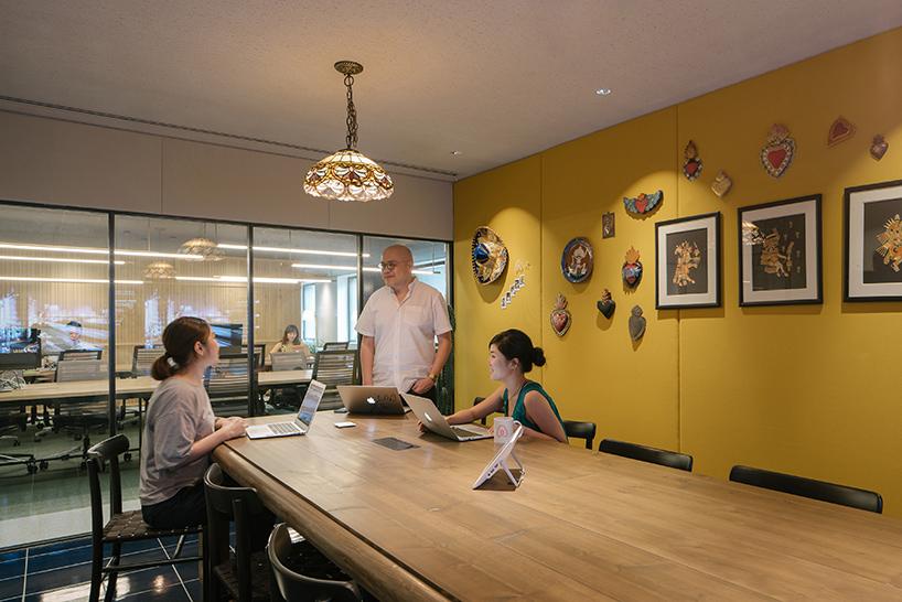 airbnb-tokyo-office-interiors-japan-suppose-design-office-designboom-12