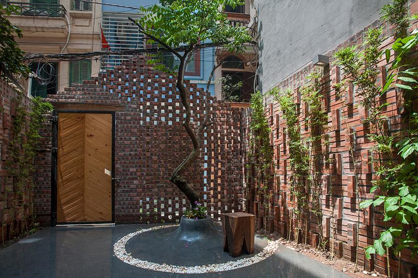 nghia-architect-maison-t-brick-facade-hanoi-vietnam-designboom-01