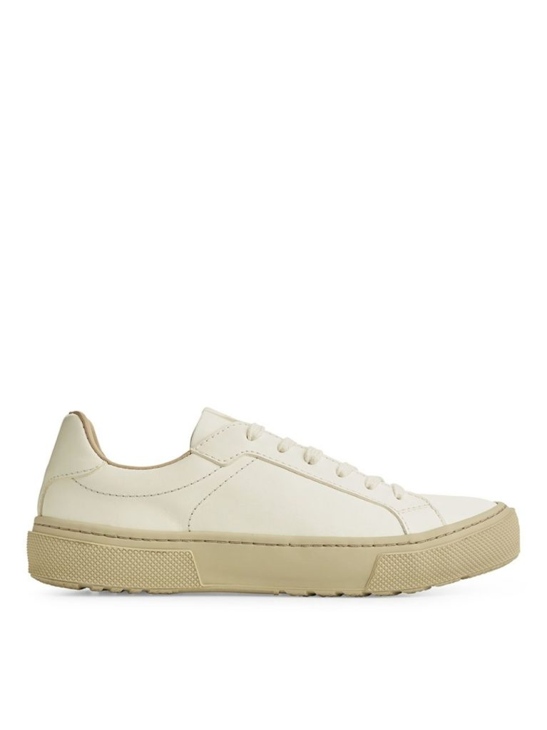 arket-court-trainers-everyday-object-01