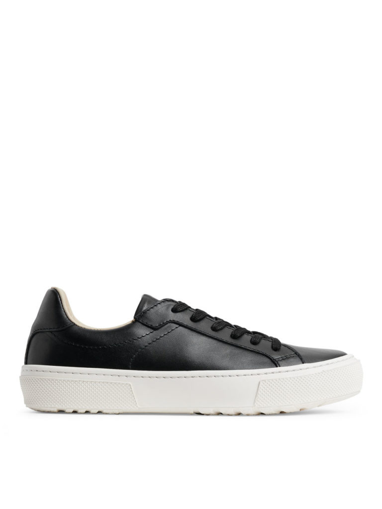 arket-court-trainers-everyday-object-02