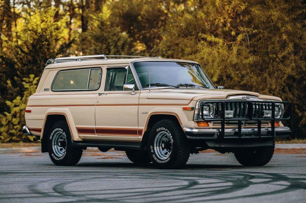 1983 Jeep Cherokee-01
