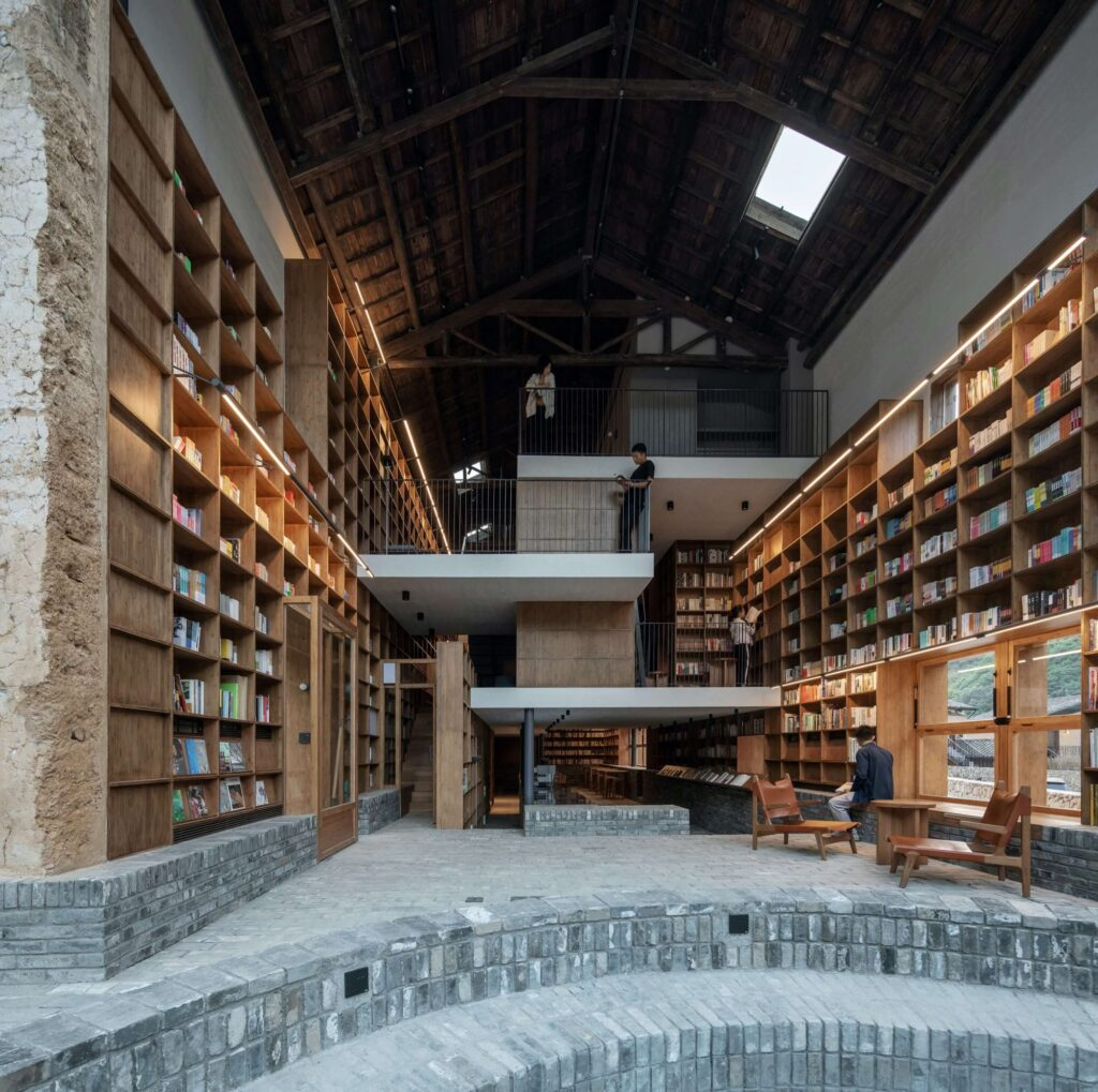 青龍塢言幾又膠囊旅社書店 atelier tao+c